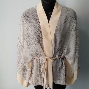 CLUB MONACO~Roann 💯% Silk Kimono